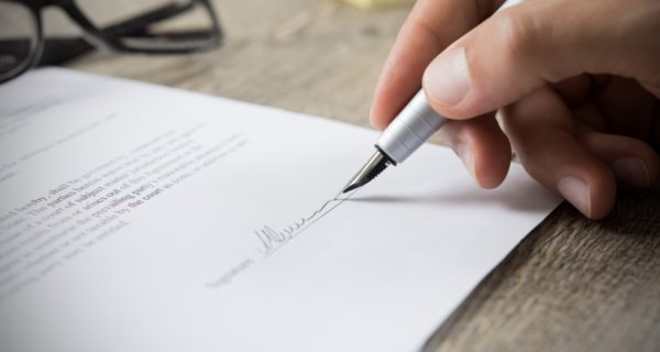 Signing employment contracts with non-competition, non-solicitation clause